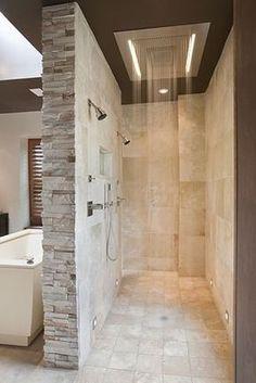 Und wenn du dir eine begehbare Dusche baust, musst du auch keine Duschwände sauber polieren. | 31 clevere Gestaltungsideen für Dein neues Zuhause