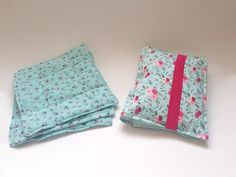 MOMMY GIFT SET - Diaper Clutch & reusable cotton washing pads - sSCAPESs art & handmade: a perfect gift for your favorite new mom and her love for sustainable and green lifestyle. Diaper clutch with practical elastic band has two pockets and can be used both for diapers and wipes. The clutch is large enough to store 3-5 diapers depending on size and a normal sized wipe packet. Reusable washing pads are made of soft muslin fabric, typical for cotton diapers.