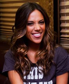 Country Singers, Country Music, Work Christmas Party Ideas, Jana Kramer, New Haircuts, Celebs, Celebrities, Fall Hair, Insta Makeup