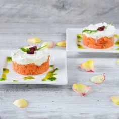 Torentje van gerookte zalm en geitenkaas   4Pure   Tower of smoked salmon and goat cheese with arugula dressing