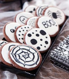 60 enchanting halloween decorating ideas - Halloween Cookies Decorating Ideas