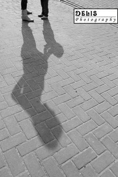 Clever shadow, beautiful perspective. Gorgeous!