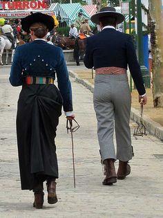 traje de amazona y caballista. Feria de Sevilla.