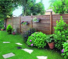 Jardin - Les étapes pour réussir l'installation d'une palissade brise-vue en bois de pin soi-même avec les photos et conseils pratiques des bricoleurs pro...