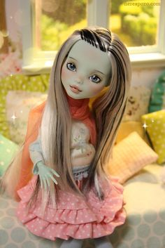 Monster High: Frankie Doll custom by Nerea Pozo