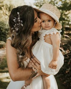 Wedding Day Style Inspiration Mama and Daughter Maternity Photography, Wedding Photography, Wedding Inspiration, Style Inspiration, Wedding Day, Flower Girl Dresses, Daughter, Wedding Dresses, Beautiful