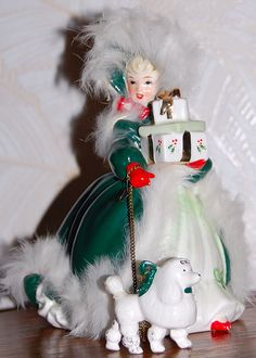 GORGEOUS! VINTAGE NAPCO LADY IN GREEN WALKING POODLE, CHRISTMAS PACKAGES IN ARMS