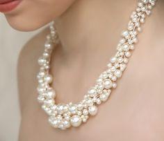 """Items similar to Declaración boda collar nupcial Joyas Swarovski perlas """"Pearly Girly"""" collar de Dama de honor Set de joyería incluye aretes de perlas marfil on Etsy"""