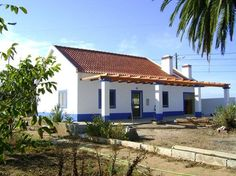 Santiago Do Cacem, Outdoor Decor, Portugal, Home Decor, Townhouse, Saints, Decoration Home, Room Decor, Home Interior Design
