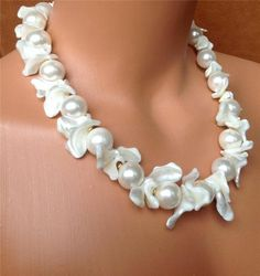 WHITE NECKLACE. SHELL & SHELL PEARL. USA MADE. CHUNKY MOTHER OF PEARL, 20 INCHES Statement Jewelry, Pearl Jewelry, Beaded Jewelry, Jewelery, Jewelry Necklaces, Handmade Jewelry, Beaded Necklace, Bracelets, Couleur Rose Pale