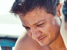 Bourne Legacy~ The scene I love most is the last scene. Jeremy Renner, Bourne Legacy, Cuerpo Sexy, Jason Bourne, Ironman, Clint Barton, Loki, Hawkeye, Spiderman