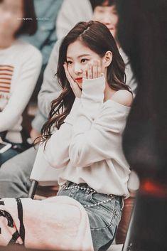 Jennie i love you so much Blackpink Jennie, Yg Entertainment, K Pop, South Korean Girls, Korean Girl Groups, Black Pink ジス, Blackpink Photos, Pictures, Blackpink Fashion