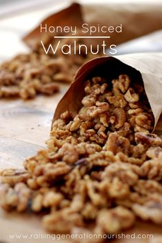Honey Spiced Walnuts :: Gluten, Grain, and Dairy-Free, Paleo / Primal - Delicious Obsessions Nut Recipes, Whole Food Recipes, Snack Recipes, Cooking Recipes, Cleaning Recipes, Paleo Sweets, Paleo Dessert, Paleo Nuts, Paleo Honey
