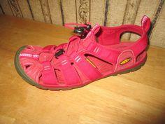 5895de93126e7 EUC women s KEEN fuchia pink canvas WATERPROOF sandals - size 8 - BRIGHT!