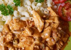 Csirkemell, Stroganoff módra recept foto Meat Recipes, Chicken Wings, Main Dishes, Curry, Food And Drink, Bacon, Dinner, Healthy, Ethnic Recipes