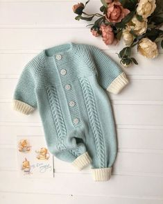 Knit Baby Dress, Crochet Baby Shoes, Crochet Baby Clothes, Crochet For Boys, Baby Cardigan, Knitting For Kids, Easy Knitting, Boy Crochet Patterns, Baby Dungarees