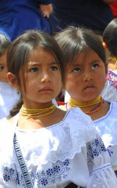 Chicas Otavalenas, Ecuador