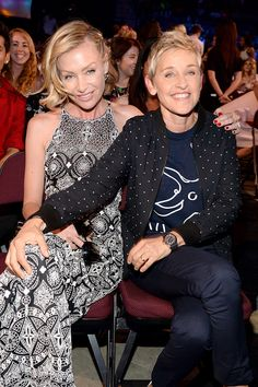 Ellen DeGeneres and Portia de Rossi made a sweet pair when they sat together at the Teen Choice Awards on the same day as their wedding anniversary.