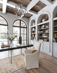 Windows and built ins This airy, sophisticated traditional office designed by Marie Flanigan Interiors gets recreated for less by copycatchic luxe living for less budget home decor and design daily finds and room redos look for less Home Office Design, Home Office Decor, Office Ideas, Office Furniture, Office Designs, Furniture Ideas, Office Style, Office Inspo, Furniture Stores
