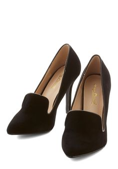 Professional with Personality Heel. You can rock a subdued ensemble with the best of them, but add details like these black velvet pumps to make your workday look pop! #black #modcloth