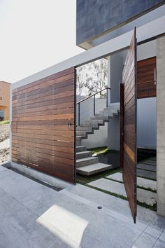 56 Ideas for stairs architecture design entrance Design Exterior, Door Design, Interior And Exterior, House Design, Exterior Doors, Fence Design, Lobby Interior, Entrance Design, Modern Exterior
