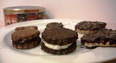 Σοκολατένια μπισκότα βρώμης (1 μονάδα). – Science, Gastronomy & Healthy Living Cheesecake, Cookies, Desserts, Food, Crack Crackers, Tailgate Desserts, Deserts, Cheesecakes, Biscuits