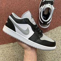 """2020 Release Air Jordan 1 Low """"Light Smoke Grey"""" For Sale Jordan 1 Black, Jordan 1 Low, Zapatillas Jordan Retro, Cute Sneakers, Shoes Sneakers, Nike Air Shoes, Sneakers Fashion, Nike Fashion, Casual Shoes"""