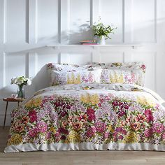 Mabel Meadow Reversible Floral Printed 200 Thread Count Cotton Duvet Cover & Standard Pillowcase Set