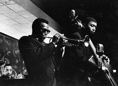 Miles Davis, Paul Chambers and Red Garland Miles Davis Quintet, Paul Chambers, 20th Century Music, Jazz Cat, Kind Of Blue, Cool Jazz, Jazz Musicians, Blues Music, Concert Posters