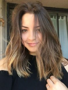Hazelnut Balayage - 20 Gorgeous Brown Color Hair Ideas for Winter - Photos - hair color ideas Ombre Hair Color, Hair Color Balayage, Cool Hair Color, Brown Hair Colors, Hair Highlights, Caramel Highlights, Color Highlights, Balayage Caramel Blonde, Short Balayage