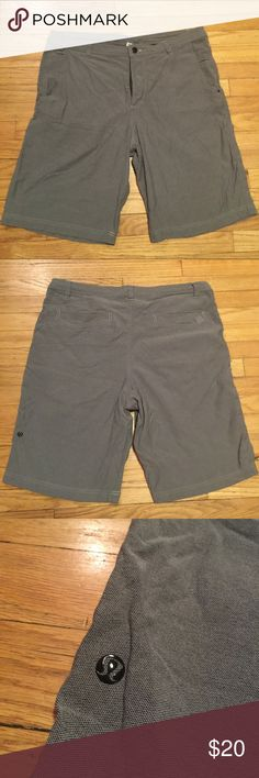 Lululemon mens gray shorts - sz 38 Lululemon mens gray shorts - sz 38. Waist - 18.5 inches. Rise - 12.5 inches. Inseam - 10 inches. Good condition with a few minor snags. Priced accordingly lululemon athletica Shorts Flat Front