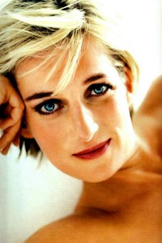 Diana, as photographed by Mario Testino for Vanity Fair
