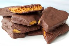 Chocolate Covered Honeycomb Crunchie bars - based on the Cadbury Crunchie these gorgeous treats contain only 6 ingredients and are gluten-free and vegan!