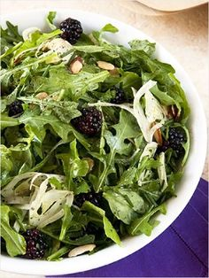 arugula blackberry salad with shaved fennel and almonds