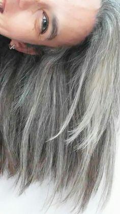 Autoretrato.En al vida también hay grises.2016