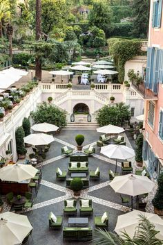Stay at the luxurious Hotel de Russie, a Rocco Forte hotel in Rome, Italy, and work with a Virtuoso travel Advisor to receive your free upgrades and amenities. Casa Hotel, Hotel Restaurant, Hotel Lobby, Modern Restaurant, Rome Hotels, Paris Hotels, Tampa Hotels, Chicago Hotels, Hilton Hotels