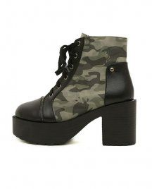 CAMOUFLAGE LACE-UP ANKLE BOOTS