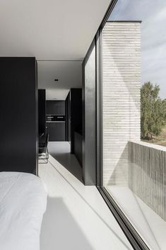 Residential project H by Francisca Hautekeete architect. The main elements of this villa are large bright spaces, glass and concrete and a combination of black and white. The beautiful minimalist living. Brick Architecture, Minimalist Architecture, Residential Architecture, Interior Architecture, Modern Home Interior Design, Country House Interior, Modern House Design, Brick Cladding, New Homes