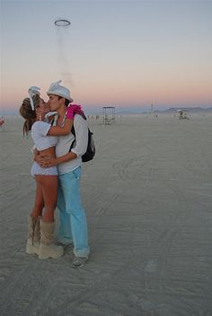 Desert Kiss Kiss Tumblr, Romantic Kisses, Couple Kissing, Couples, Making Out Couple, Couple