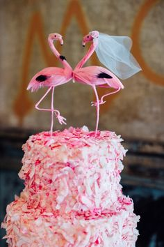 Pink Flamingo wedding cake!