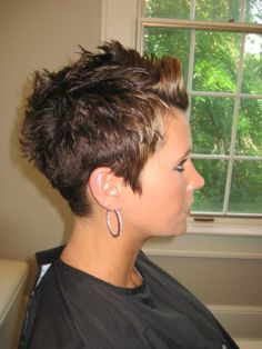 This would be the perfect cut and color for me, LOVE it!