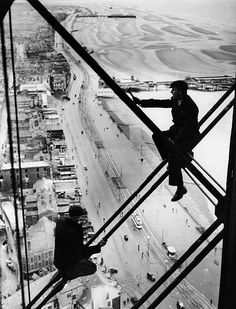 Men 500 ft up Blackpool Tower where repairs are being carried out The promenade and beach are clearly visible below Old Pictures, Old Photos, Blackpool Promenade, Places To Travel, Places To See, Somewhere In Time, Scary Places, Beautiful Castles, Vintage Photographs
