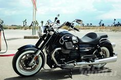 Moto Guzzi California Eldorado 1400 static side view