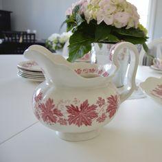 "Kanna ""Röd vinranka"" Sugar Bowl, Bowl Set, Tea Pots, Tableware, Vintage, Home Decor, Corning Glass, Dinnerware, Decoration Home"