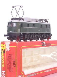 #RIVAROSSI 1667 #GERMAN #DBRAIL LIVERY #CLASS #E18  E 18 12 #HOGAUGE  #ELECTRIC #LOCOMOTIVE 9004 #MODELRAILWAYS #RARE #LOVE #TOP #TRUMP #STYLE #FASHION #SHOPPING #MUSTHAVE #ACE #FANTASTIC #TRAINSET #HOT #TRAIN #WOW #PHOTO #BTS #EXO