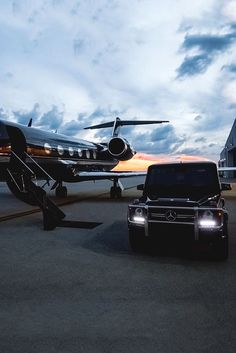 Mercedes-Benz G-Wagon and a private jet - The only way to go. Jets Privés De Luxe, Luxury Jets, Luxury Private Jets, Lamborghini Gallardo, Lamborghini Diablo, Maserati, Bugatti, Jet Privé, Rich Lifestyle