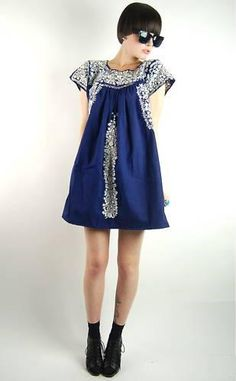 totally works anywhere! Mexican Fashion, Mexican Outfit, Mexican Dresses, Folk Fashion, Fashion Moda, Womens Fashion, Mexican Style, Traditional Mexican Dress, Estilo Hippie
