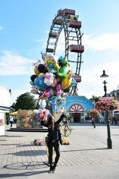 prater, viena, parque de diversões look, dica em vienna, wien tips Girls Daybed, Las Vegas, Polaroid Pictures, Fun Fair, Tumblr Girls, Amusement Park, Ferris Wheel, Disneyland, Carnival