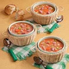 Quick Ham and Bean Soup Recipe- Recipes If you like ham and bean soup but don't want to spend hours in the kitchen, this tasty and timely version prepared by our Test Kitchen will leave you with a satisfied smile. Ham And Beans, Ham And Bean Soup, Ham Soup, Red Beans, Potato Soup, Slow Cooker Recipes, Crockpot Recipes, Cooking Recipes, New Recipes