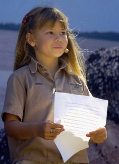 Bindi Irwin....Someone told me yesterday that Arianna looks like Bindi Irwin. I never thought of it but yes she does & She's beautiful...What a compliment!!!